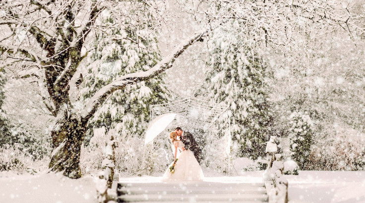 carly-chris-atwell-winter-wedding-1-1500x837
